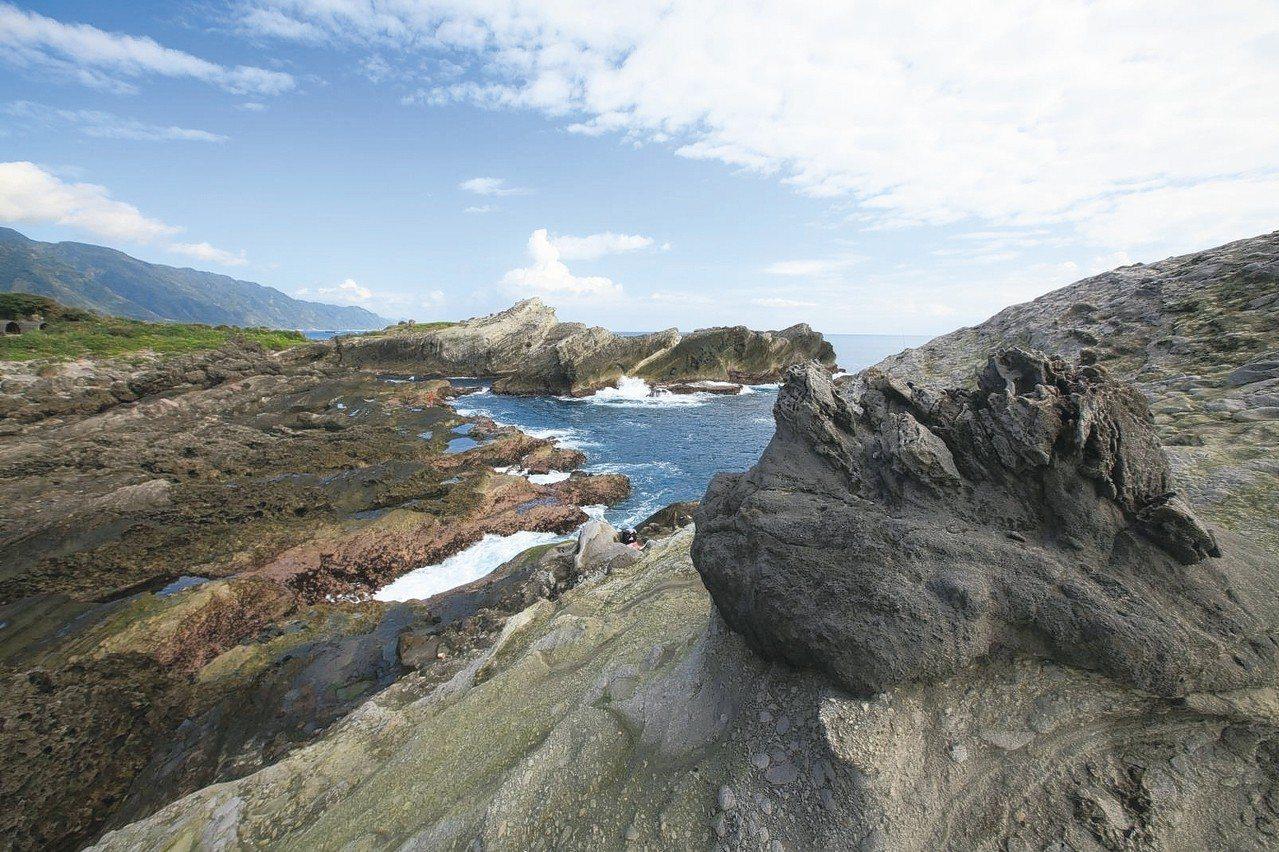石梯坪的海蝕溝地形。 圖/東管處提供