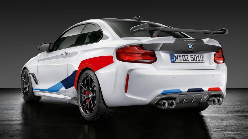 車尾配件與線條也經過原廠精心改造。 摘自BMW