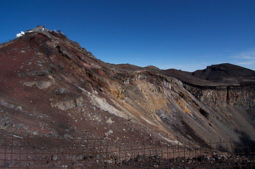 ▲富士山火山口。(圖/攝影者:stan chow, Flickr CC Lice...