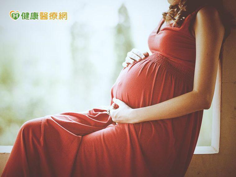 她懷孕只增加七公斤 小寶寶竟這麼重!