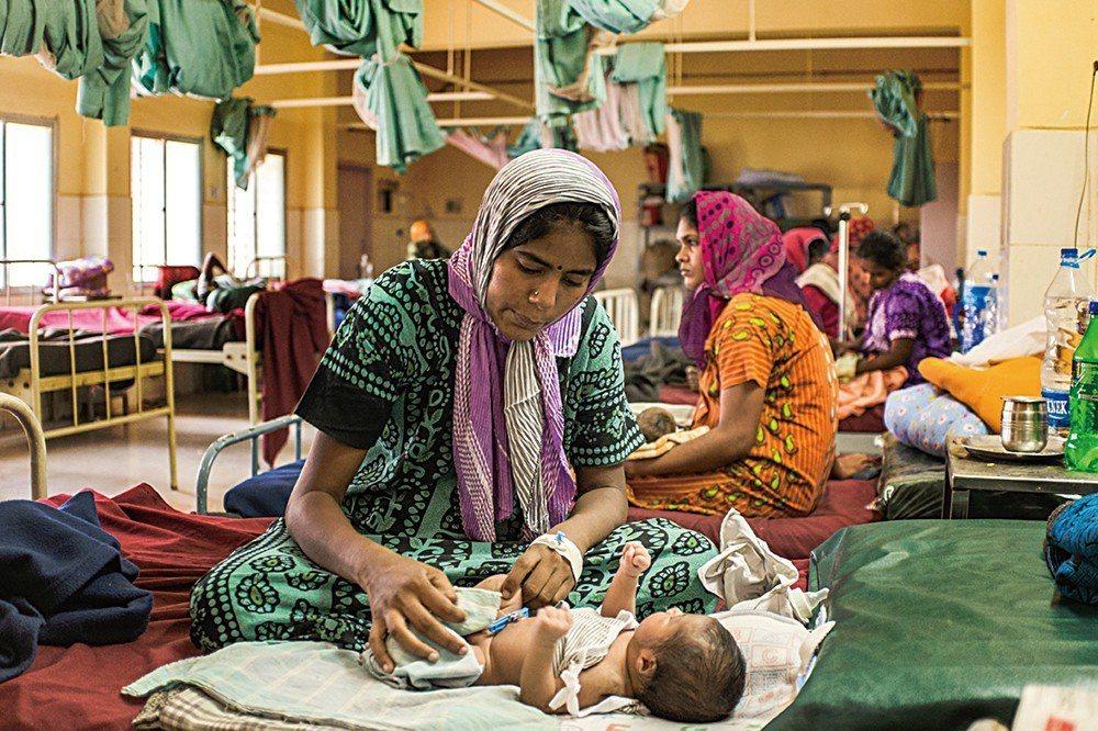 用設計解決醫療資源不足!讓病患家屬安心的Noora Health