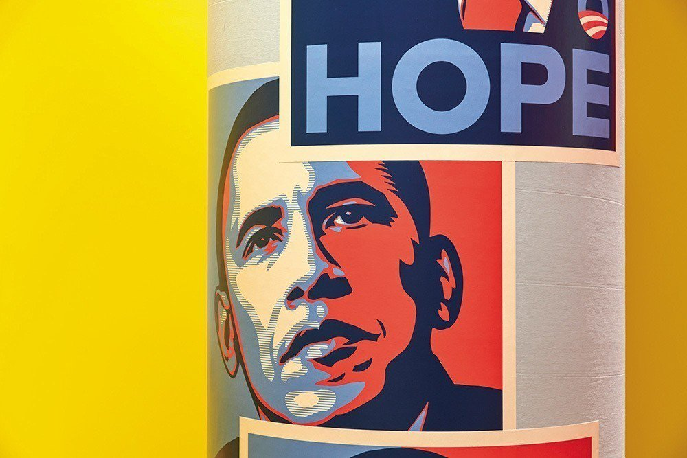 展名標題中出現的「Hope」及「Nope」,即代表著這次展覽中最經典的兩張圖像作...