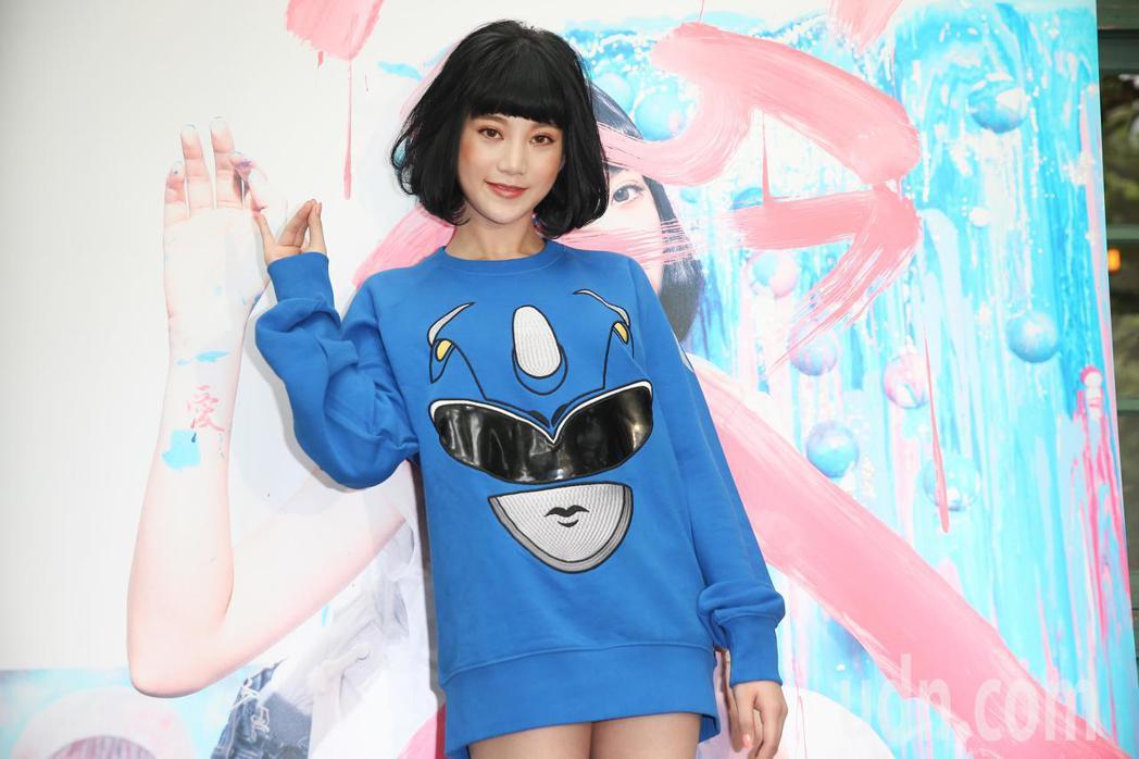 網紅才女李優推出個人寫真相冊與數位單曲。記者陳正興/攝影