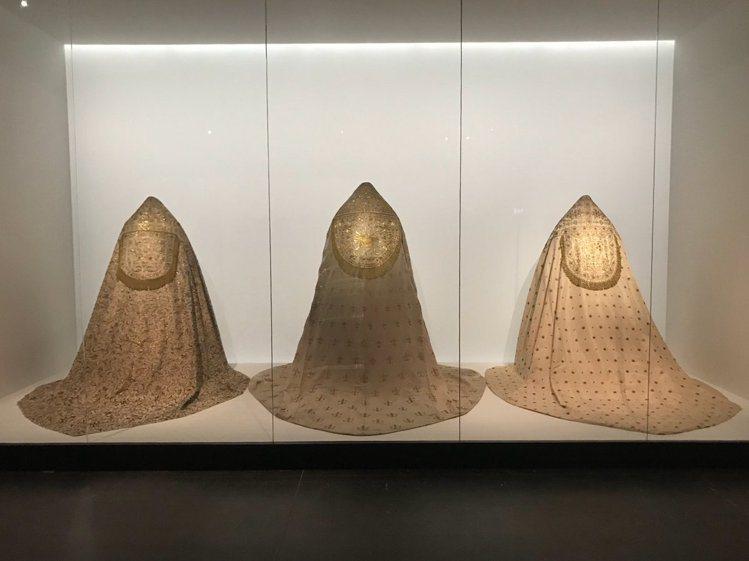 來自梵蒂岡的「聖物」於大都會博物館的 Anna Wintour Costume ...