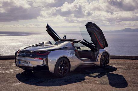 油電敞篷的魅力 BMW i8 Roadster最新寫真圖曝光!