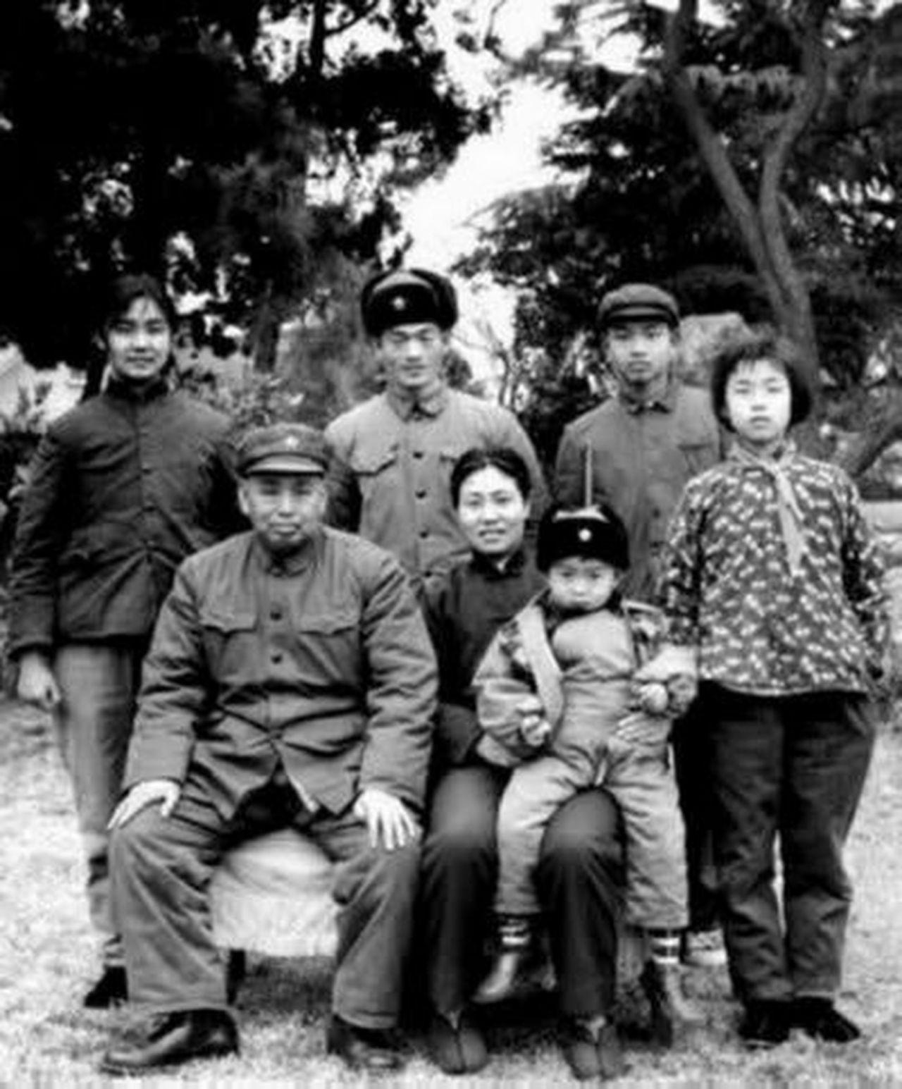定居美國30多年 華山回憶父親許世友