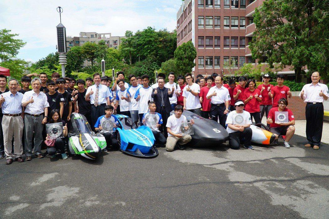 機械系與工設系參加環保節能車大賽,囊括1冠軍3亞軍2佳作。 大葉大學/提供。