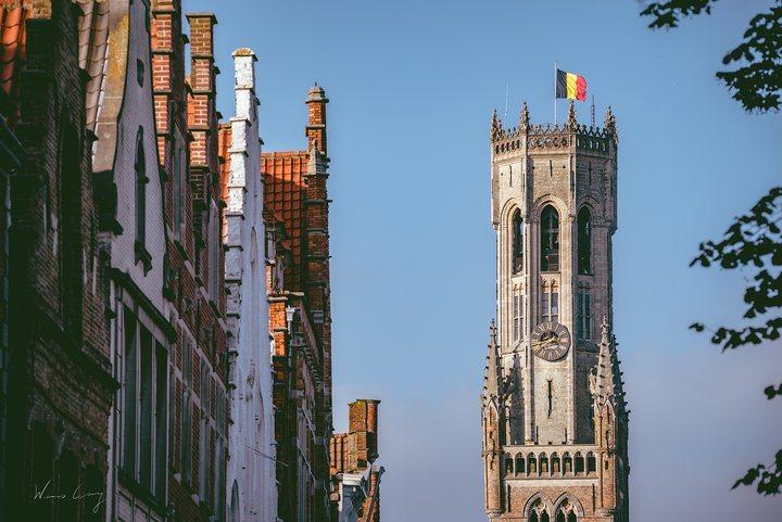小鎮各處都能看到鐘塔。 圖/背包客棧