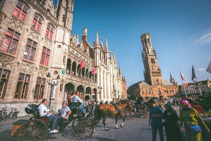 自中世紀以來就沒什麼變化的市場廣場。 圖/背包客棧