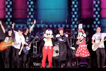 五月天「人生無限公司」演唱會近來在香港舉行,如今有消息傳出他們今年跨年將到台中洲際棒球場開唱,從12月22日到1月1日一連11天都已被五月天訂下,而台中場也將是「人生無限公司」的最終巡迴地點。五月天...