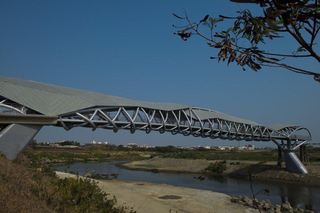 雲林縣政府爭取前瞻計畫「城鎮之心」工程計畫,將打造「北港居民生活圈」,已獲營建署...