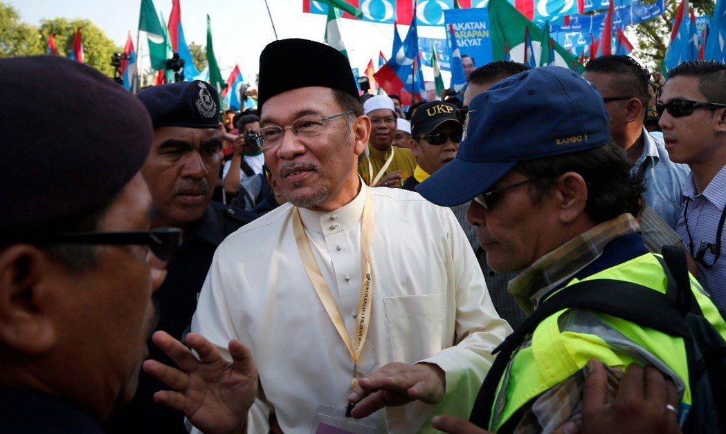 馬來西亞被囚的反對派領袖、前副首相安華(Anwar Ibrahim)。 美聯社資...