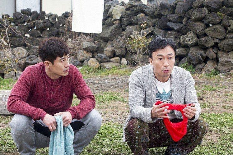 《風流大丈夫》李聖旻(左)與申河均(右)飾外遇男。圖/車庫娛樂提供