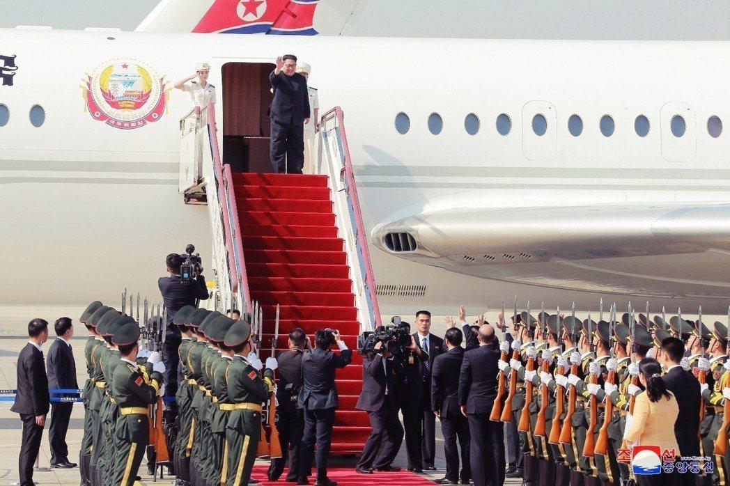 5月7日,金正恩搭乘專機抵達中國遼寧省大連市,這也是他40多天內的第二次訪中。 ...