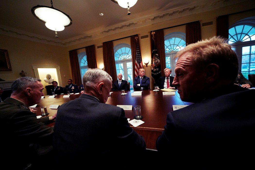 白宮的鷹派意見雖然佔了上風,但內部對於真正談判的對策準備,似乎還不見細緻規劃。 ...