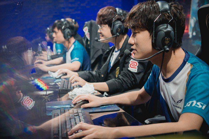 閃電狼漂亮的拿下勝利。圖/截自LoL Esports Photos Flickr