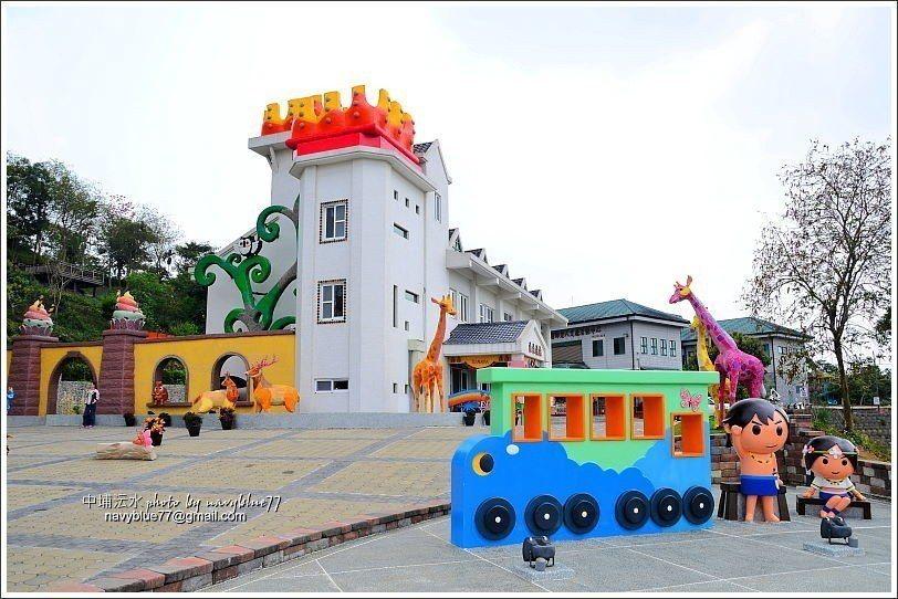 ↑城堡造型的主建築。