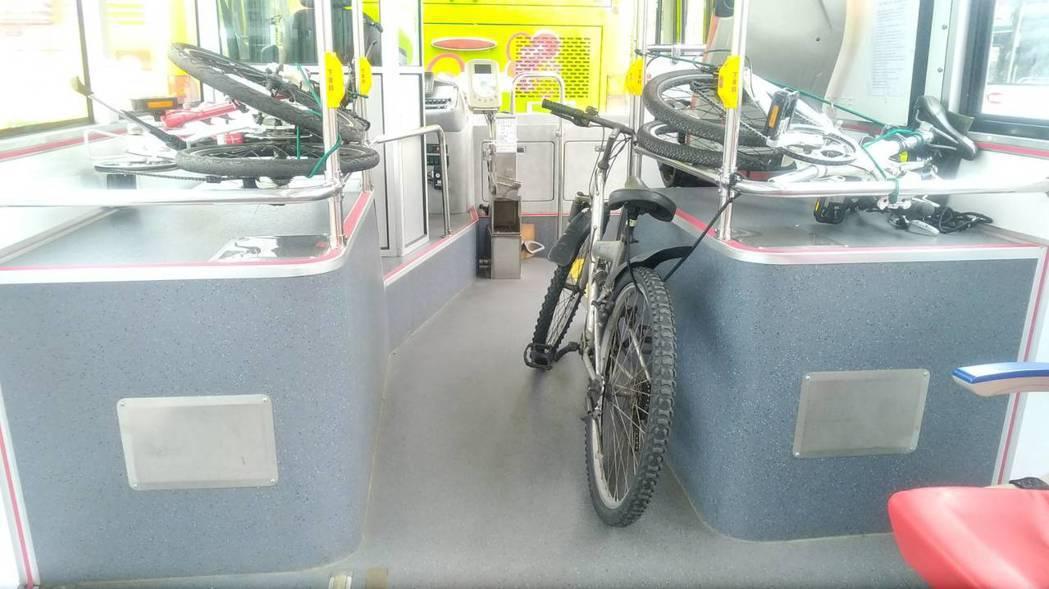 蘇花改蘇澳至東澳段通車後,大都會客運開闢新路線,從蘇澳至東澳,如今將試辦搭載腳踏...