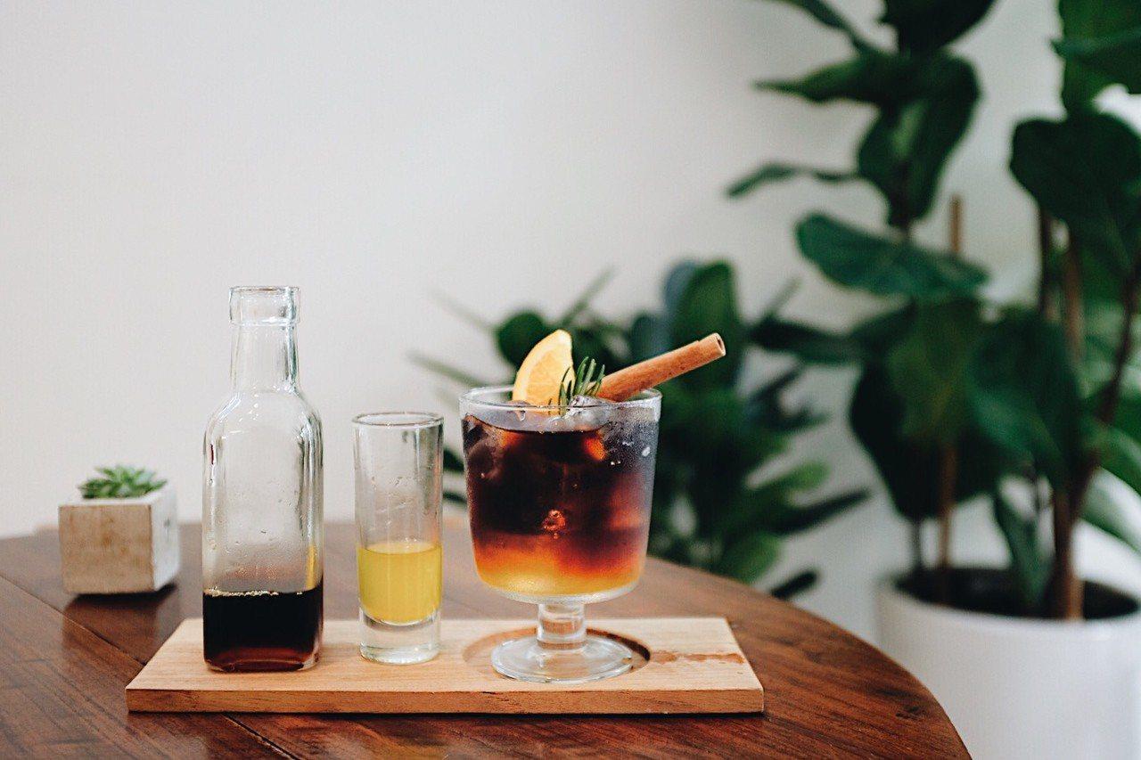 橙香冰滴咖啡,售價180元。記者沈佩臻/攝影