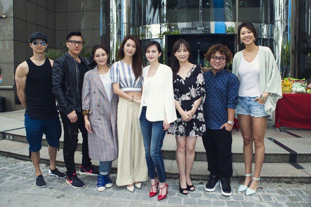 簡沛恩(中)邀來許多圈內好友演出「翻轉世界守護你」。圖/昇華娛樂提供