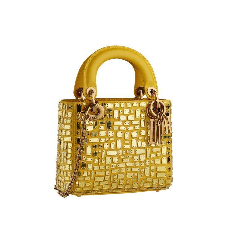 Lady Dior mini檸檬黃小牛皮鑲嵌鏡面馬賽克提包,售價15萬元。圖/D...