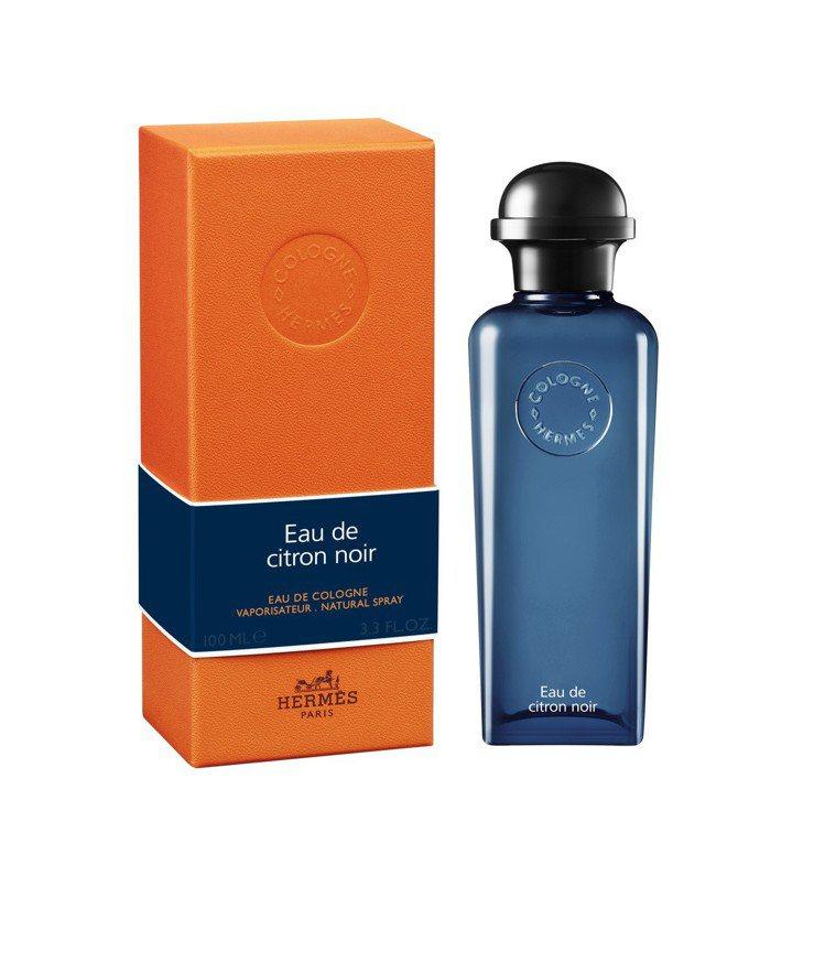 愛馬仕黑檸檬古龍水在柑橘香調中融入獨特的木質與煙燻味。圖/愛馬仕提供