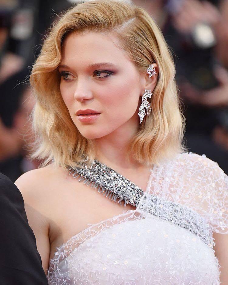 蕾雅瑟杜配戴寶詩龍的珠寶,造型耳環相當「潮」。圖/取自IG @boucheron