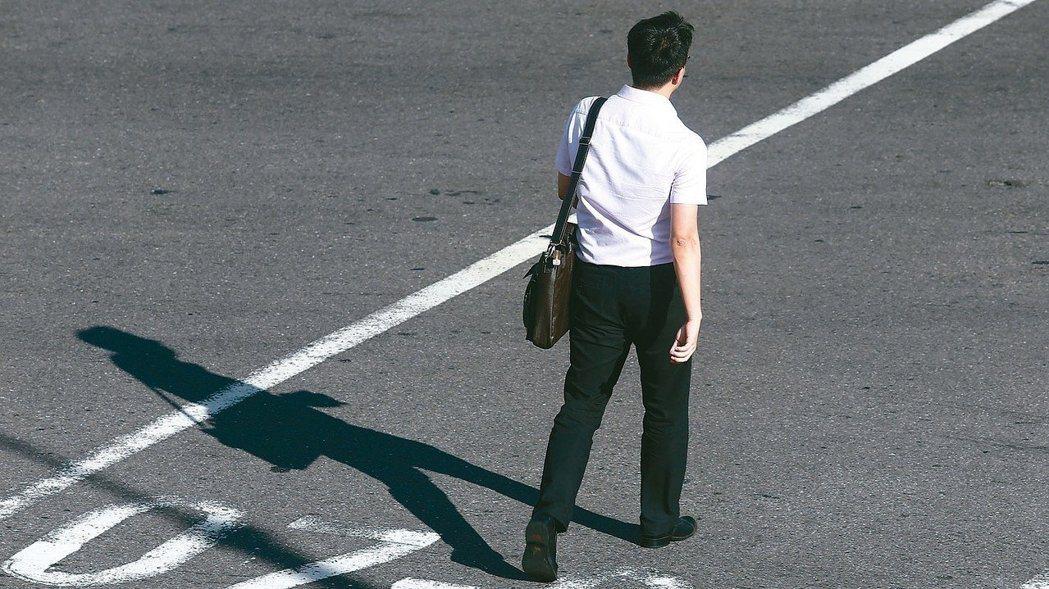 行政院長賴清德指示國發會研擬經濟移民政策,我國首部「經濟移民法」草案即將出爐。聯...