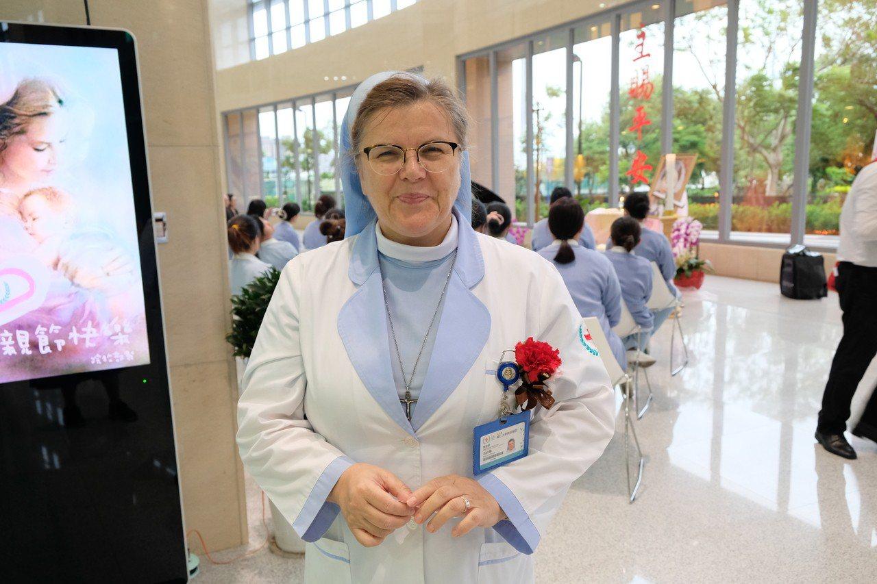 來台灣20年的修女石台華在輔大醫院擔任關懷師。記者張曼蘋/攝影