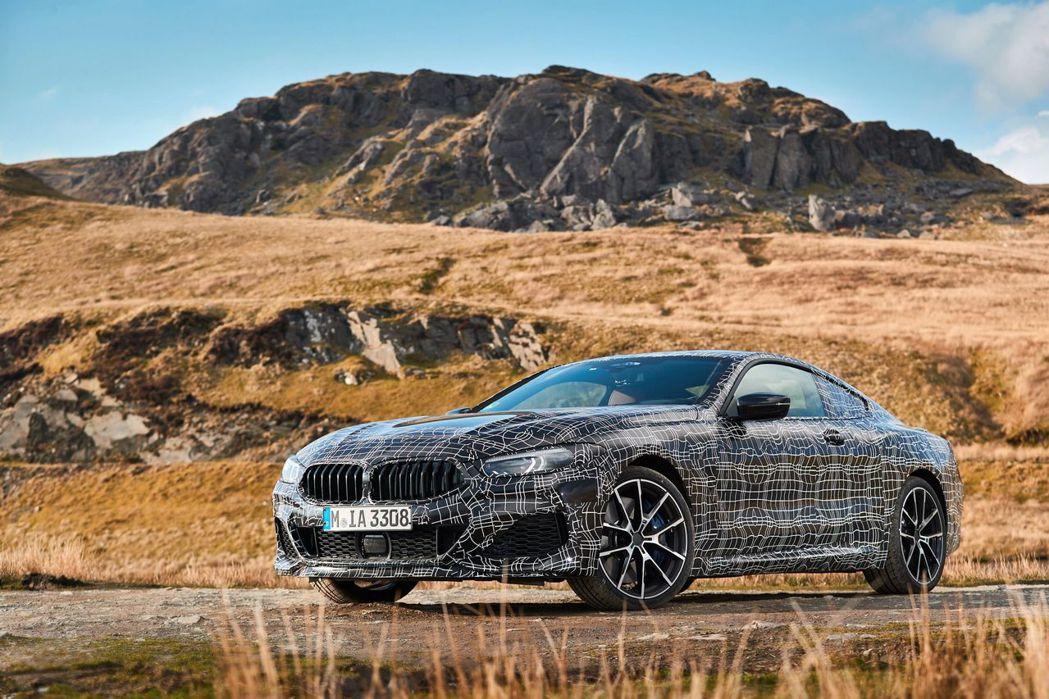 全新BMW 8 Series測試照(此為M850i xDrive車型)。 摘自B...