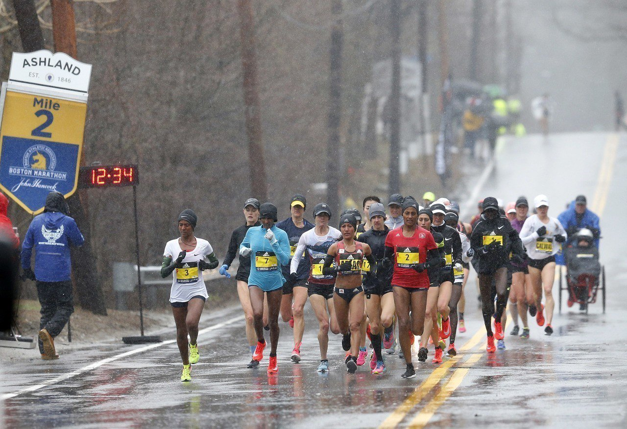 波士頓馬拉松比賽為了維持賽事品質,每年大會提供約30000名額給達標跑者。 路透