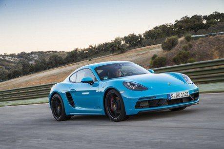 (影片) Porsche Cayman GTS開上德國Autobahn衝極速!