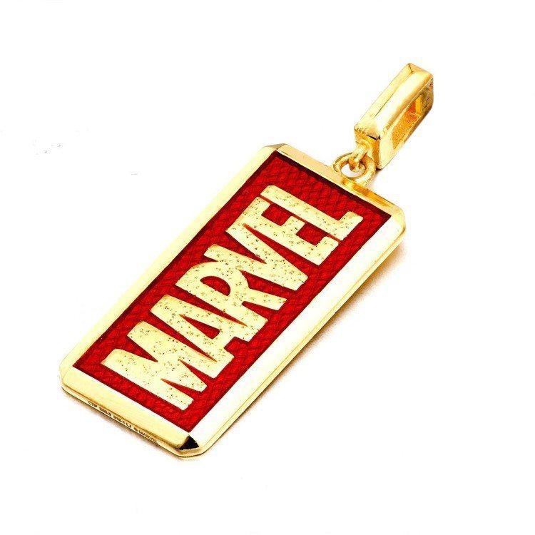 周大福「Marvel」系列Marvel logo黃金吊墜,24,200元起。圖/...