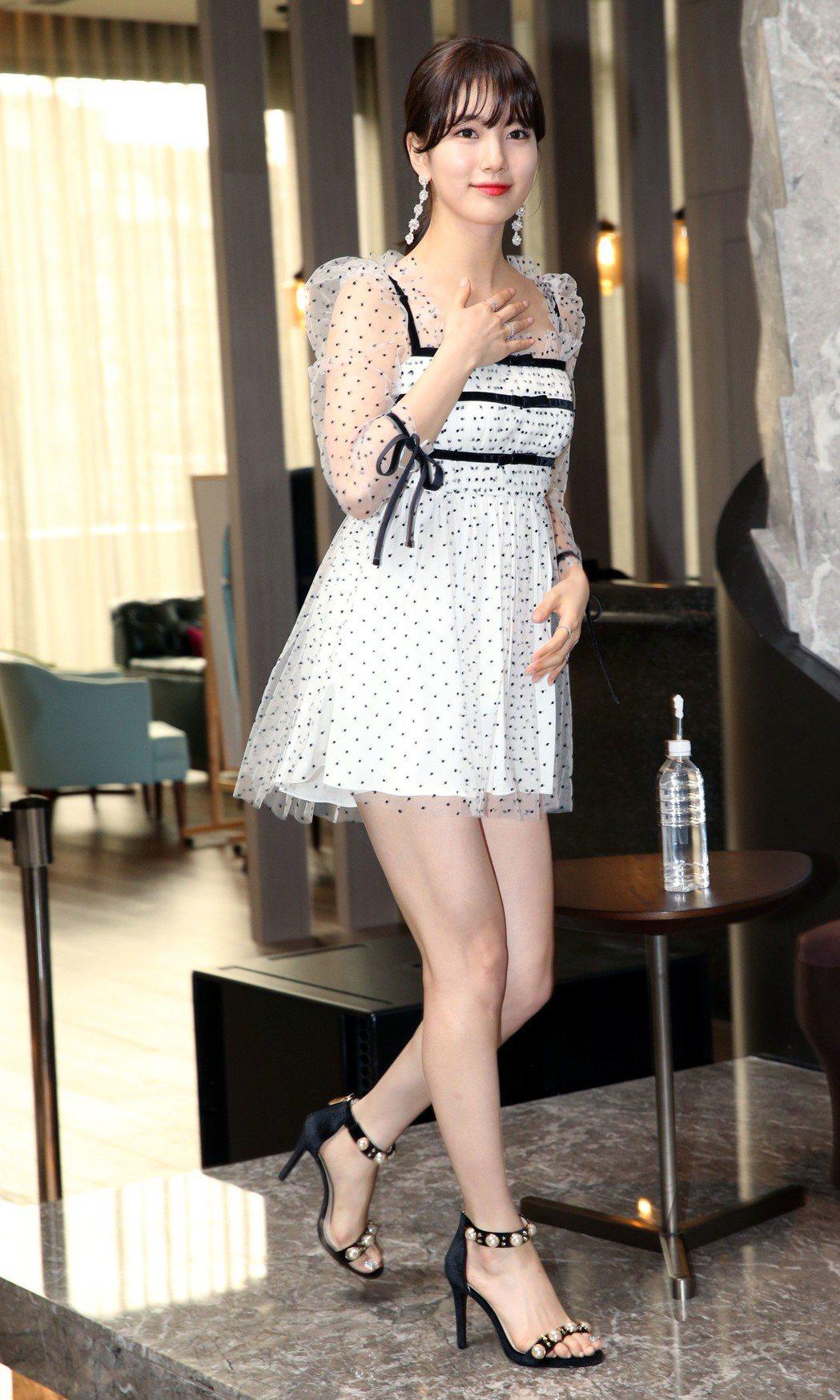 在韓國有「國民初戀」之稱的女星秀智來台,將於今晚在台大體育館舉行粉絲見面會。記者...