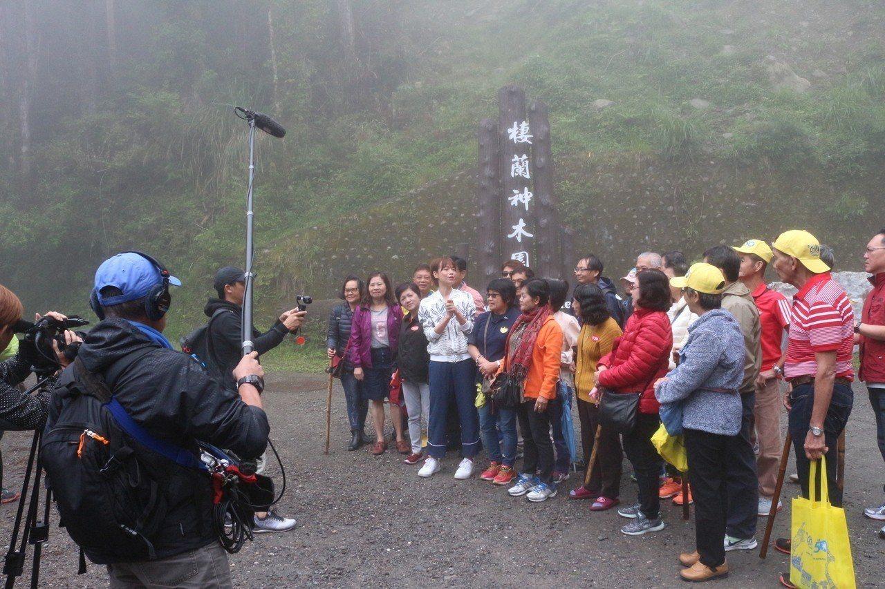 新加坡《我的導遊是明星》節目在棲蘭神木園取景拍攝。圖/力麗觀光提供