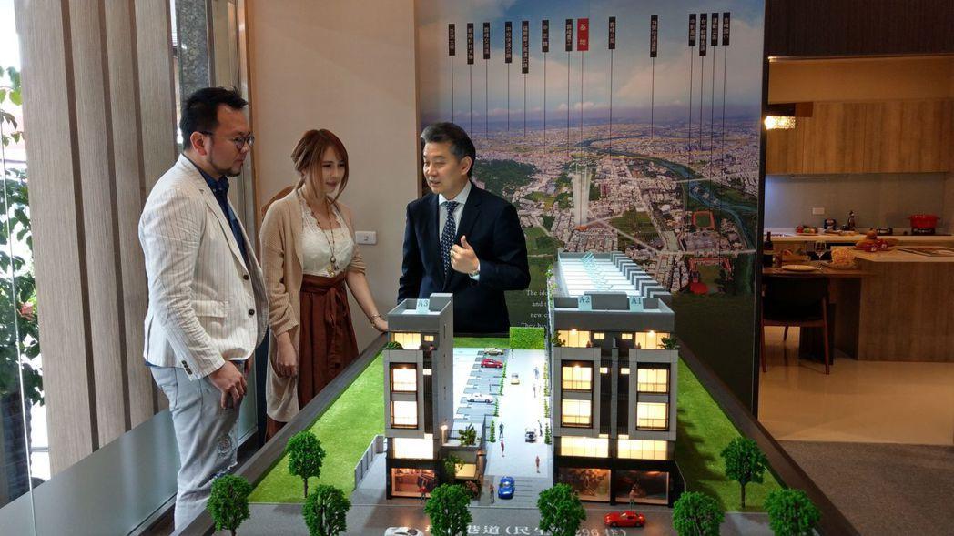 「朝陽馥墅」5樓電梯別墅,打造全齡宅,一進場創下逾6成銷量。記者趙容萱/攝影