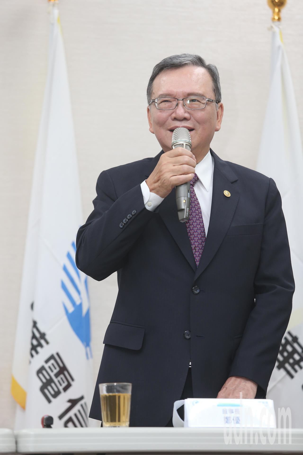 中華電信下午說明「499方案」,董事長鄭優向社會大眾報告與說明。記者曾吉松/攝影