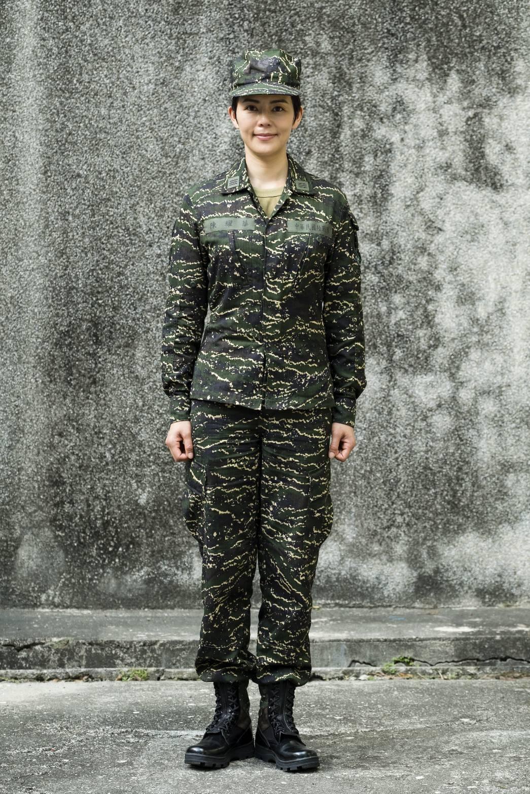 劉香慈三度拍攝軍教片,開心從「最美士官長」晉升「最帥氣連長」。圖/TVBS提供