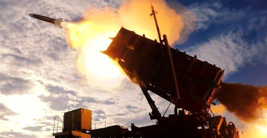 反擊共機繞台心理戰 空軍防空飛彈威猛發射集合片出爐