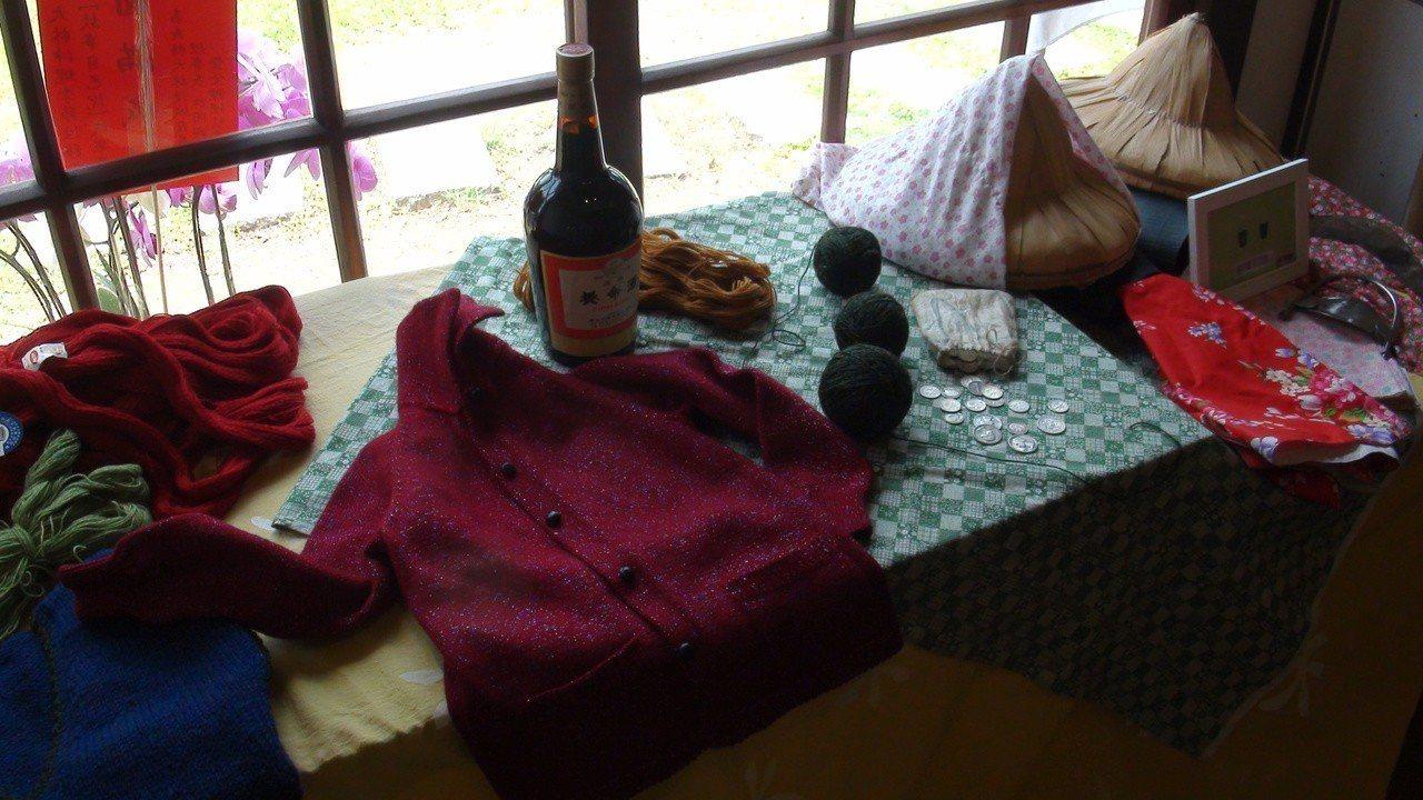 台灣移工到沖繩買毛線回來織毛衣,養命酒是重要伴手禮。記者謝恩得/攝影