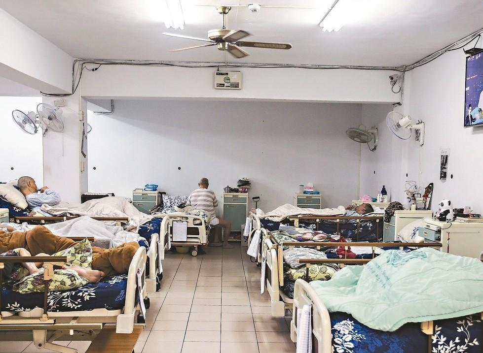 關愛之家希望盡速成立全國第一家愛滋感染者照護中心,解決感染者長照困境。 記者楊萬...