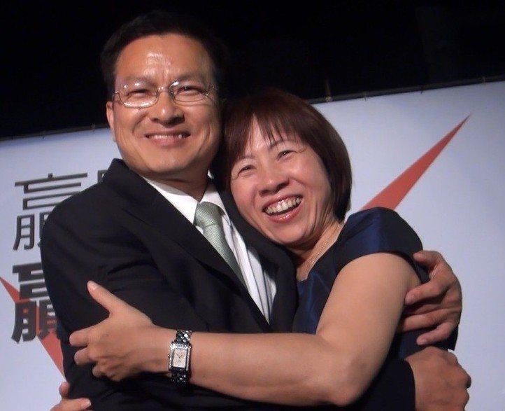 魏明谷(左)的妻子劉慧如曾是他的助理,政治路上一路相隨。 圖/聯合報系資料照片