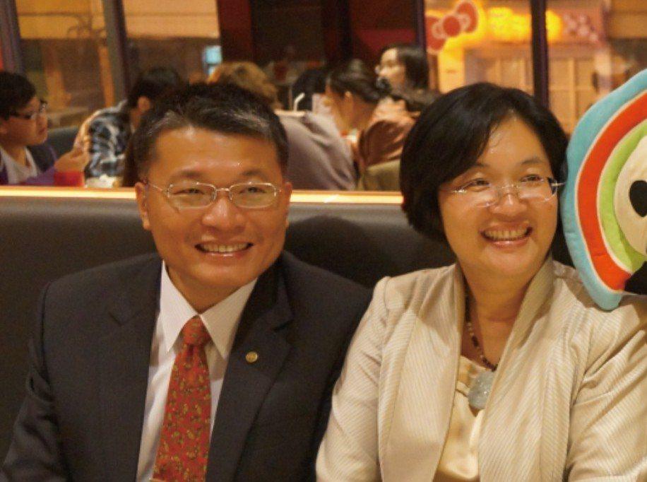 王惠美(右)的丈夫周明亞總是默默支持王惠美,讓她無後顧之憂。 圖/王惠美提供