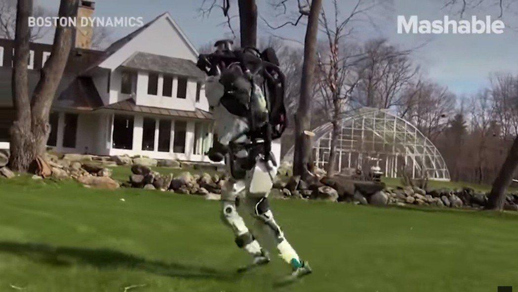 影/人形機器人慢跑影片 嚇壞全人類