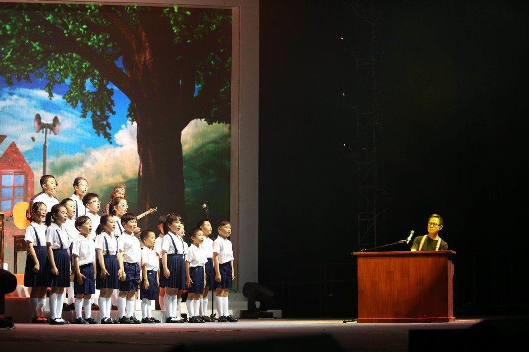羅大佑相隔18年再戰上海,舉辦 「當年離家的年輕人」演唱會。圖/種子音樂提供