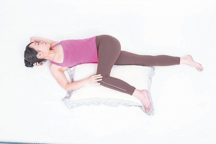 好的睡眠品質開啟身體自癒力 圖/摘自快樂文化出版《瑜伽睡眠大腦休息法》