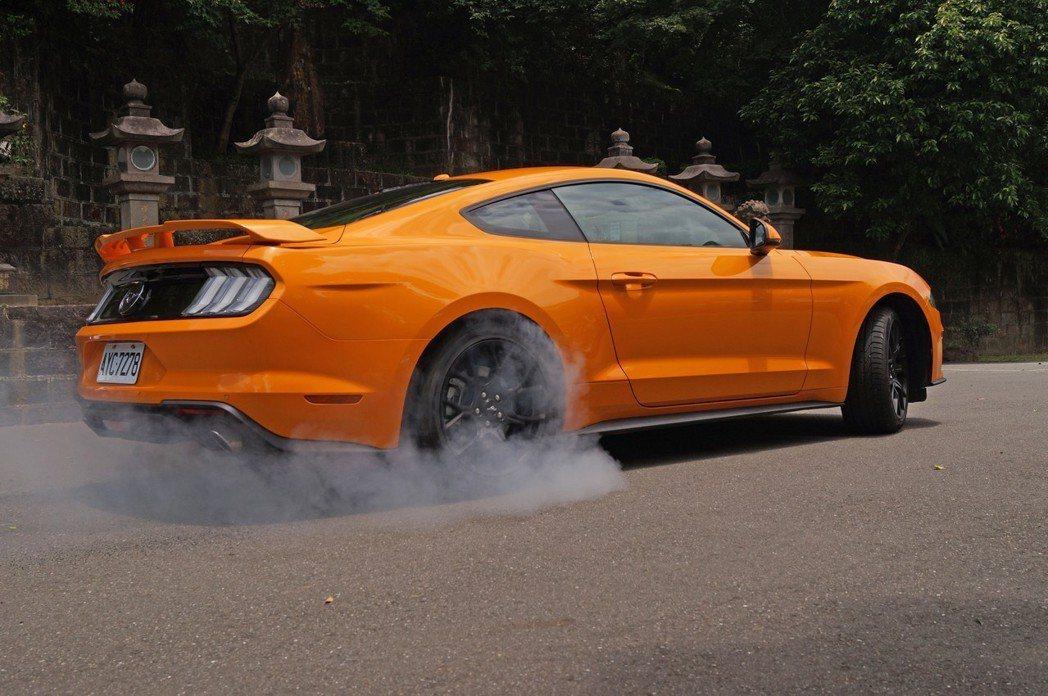 Ford Mustang擁有相當不錯的駕馭樂趣。 記者趙駿宏/攝影