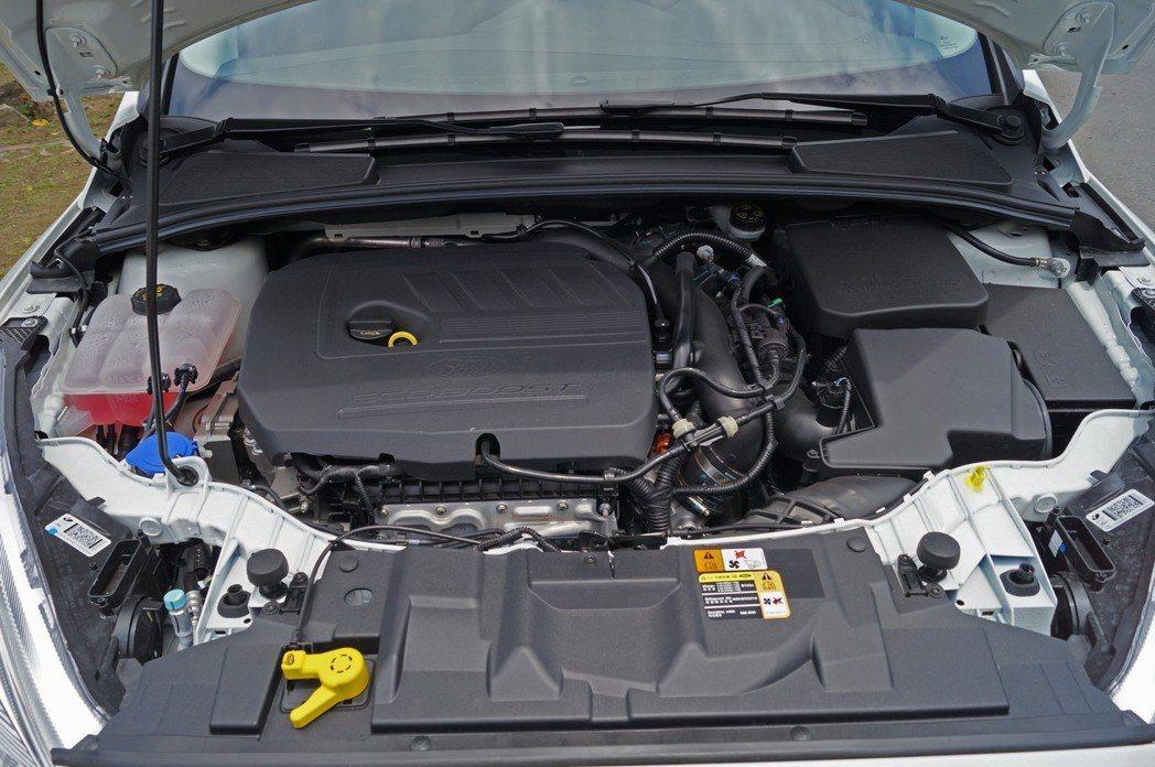 這顆1.5升EcoBoost 180引擎,能輸出180ps/6,000rpm馬力、24.5kgm/1,600-5,000rpm扭力。 記者趙駿宏/攝影
