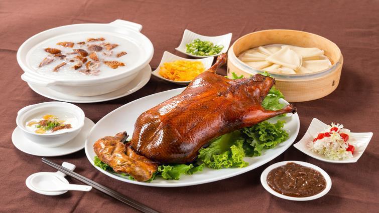 新竹老爺飯店推「黃金片皮鴨」。圖/新竹老爺飯店提供