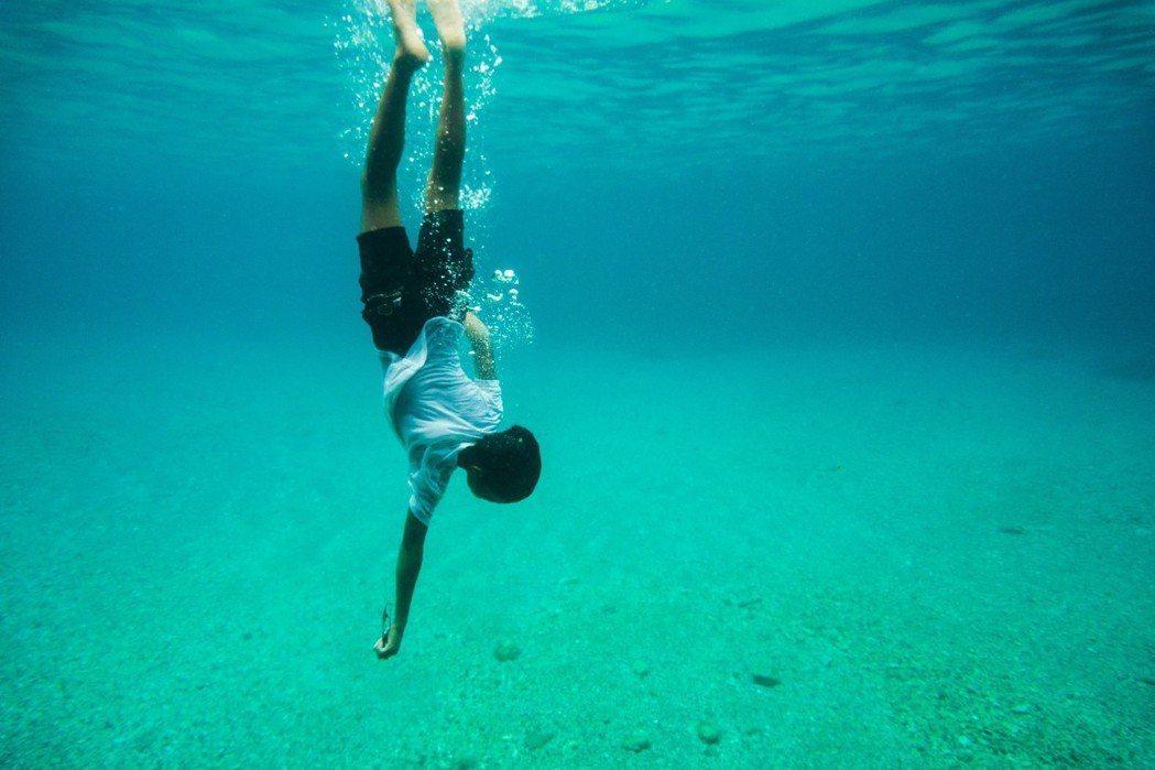 「只有大海知道」深刻拍出蘭嶼美景。圖/海鵬提供